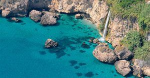 5 pueblos de andalucía con playa
